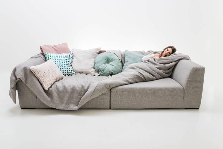 Sala de estar  por Sophisticated Living