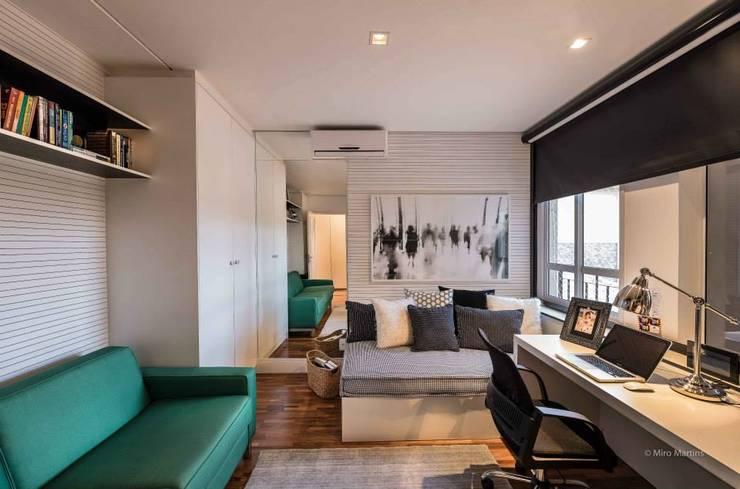 Residencia Galleria Boulevard: Escritórios  por Beto Tozi,Moderno