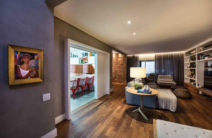 Residencia Galleria Boulevard: Salas de estar  por Beto Tozi,Moderno