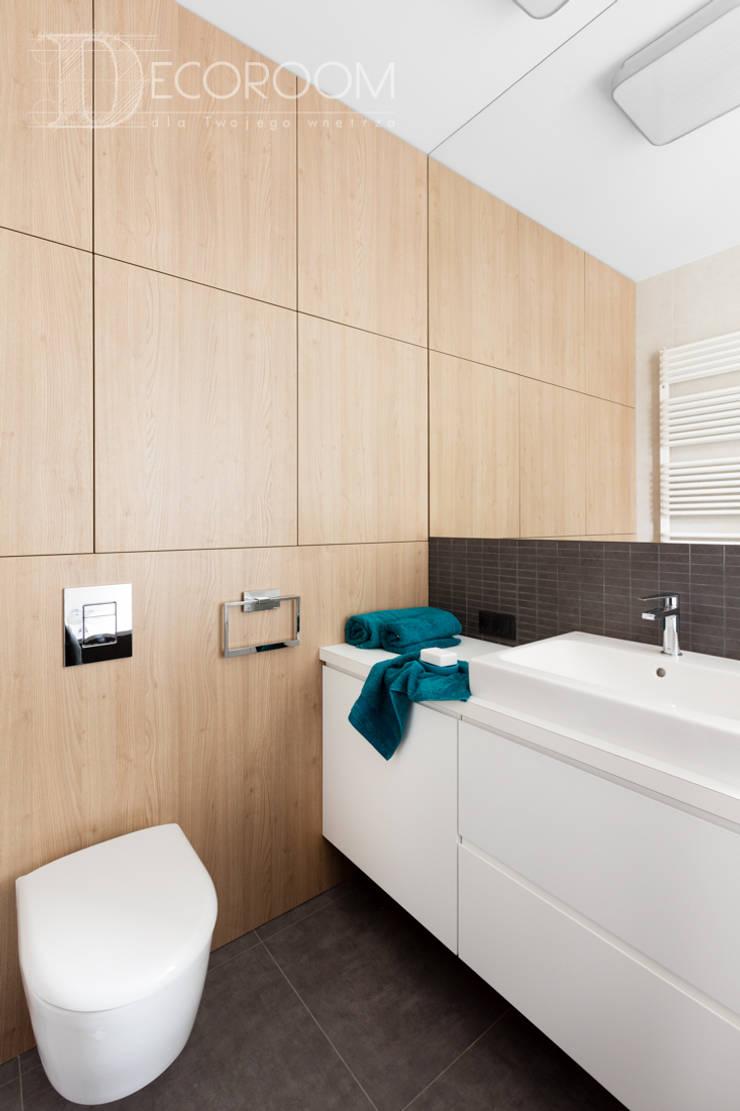Bathroom by Decoroom, Modern