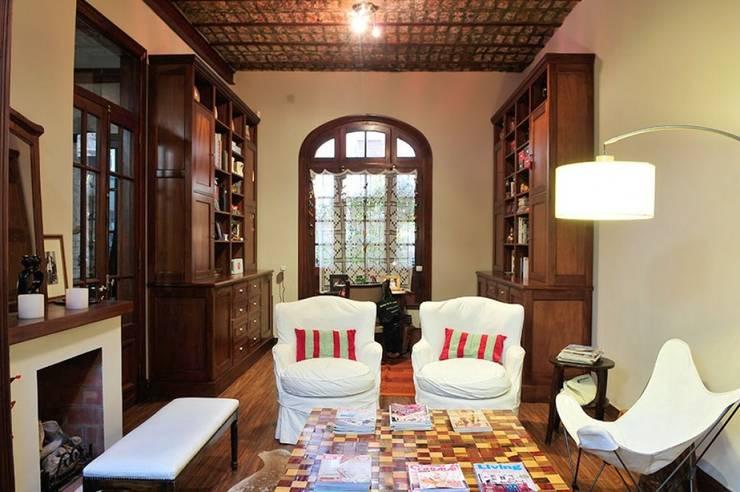 Wohnzimmer von Radrizzani Rioja Arquitectos