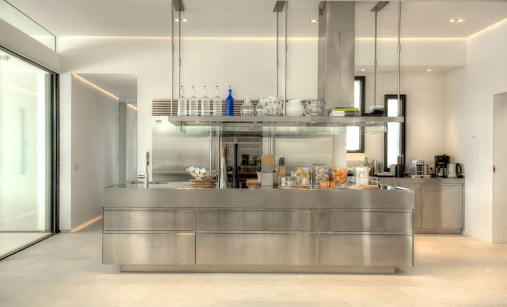 modern Kitchen by MG&AG.ARQUITECTOS