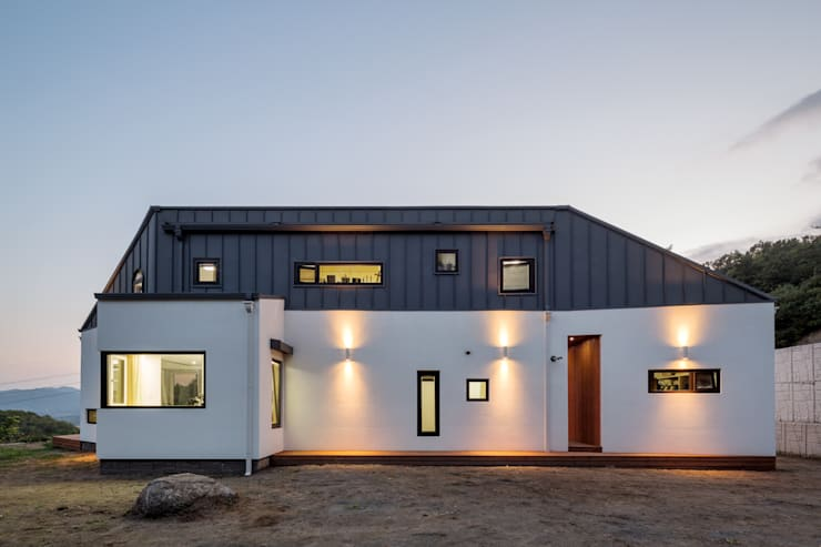 Houses by B.U.S Architecture