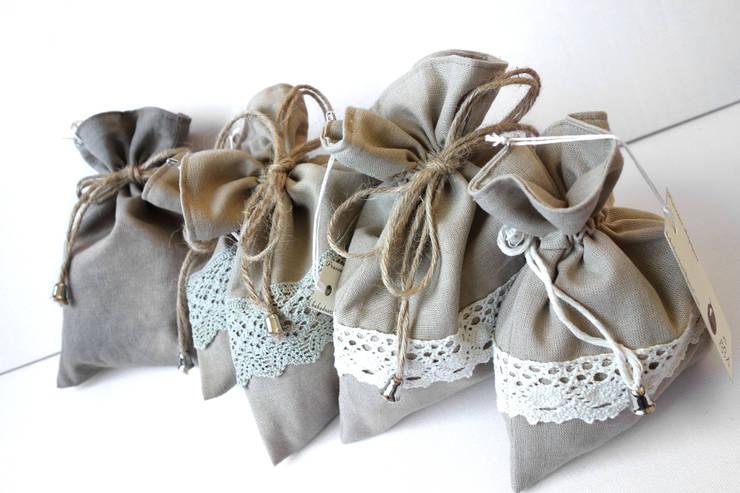 Przechowywanie w torebce woreczki, kosmetyczki, sakiewki, etui: styl , w kategorii  zaprojektowany przez Styl i Wnętrze,Śródziemnomorski