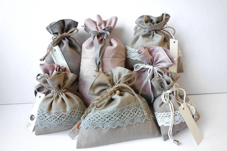 Przechowywanie lekarstw. Najpiękniejsze woreczki, kosmetyczki, sakiewki, etui: styl , w kategorii  zaprojektowany przez Styl i Wnętrze,Kolonialny