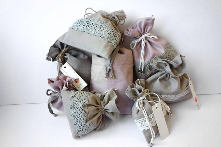 Przechowywanie biżuterii. Najpiękniejsze woreczki, kosmetyczki, sakiewki, etui: styl , w kategorii  zaprojektowany przez Styl i Wnętrze,Rustykalny