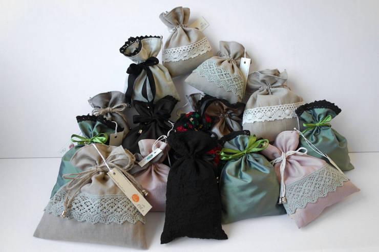 Torebki na prezenty: styl , w kategorii  zaprojektowany przez Styl i Wnętrze,Industrialny