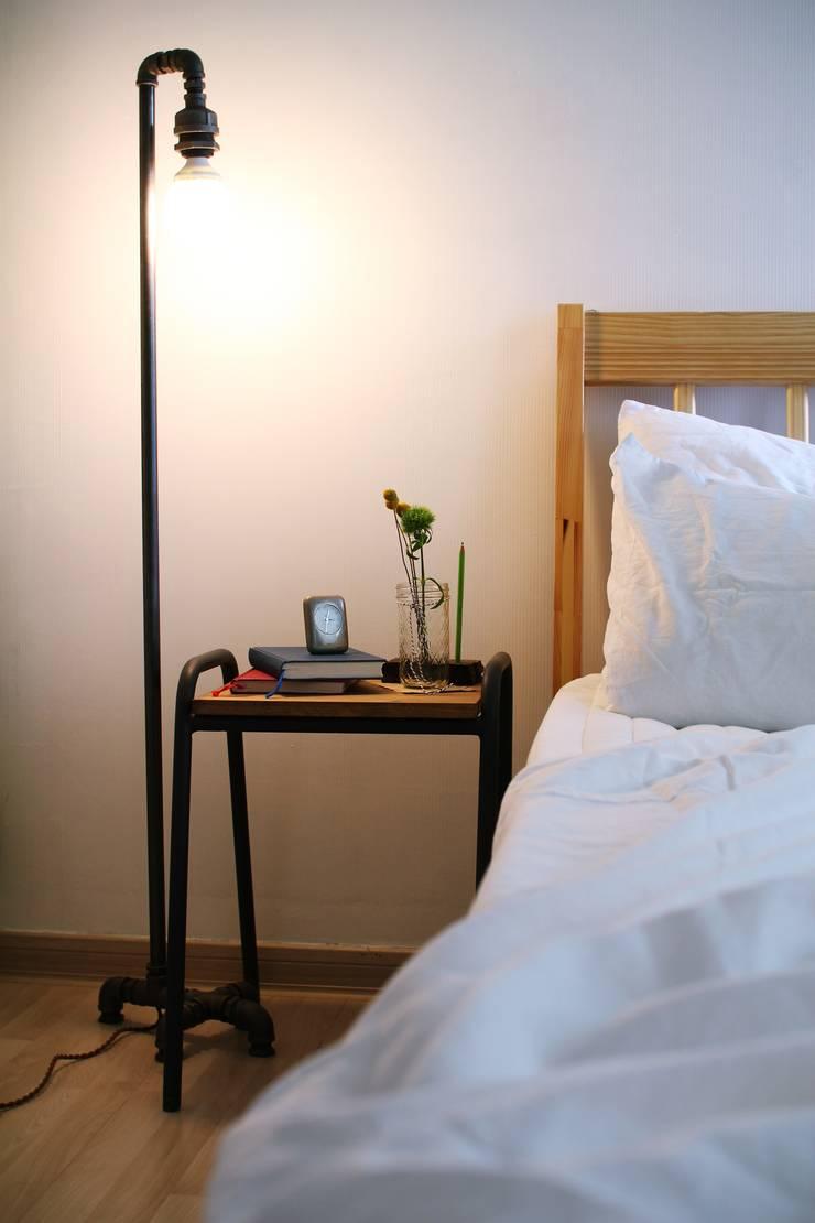파이프 조명 : 13월의 블루 의  침실
