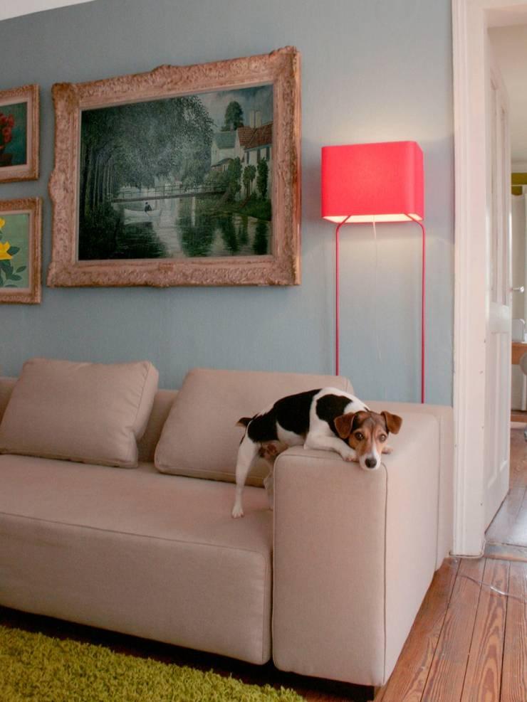 THINLISSIE: moderne Wohnzimmer von Designort