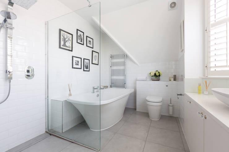 Projekty,  Łazienka zaprojektowane przez Granit Architects