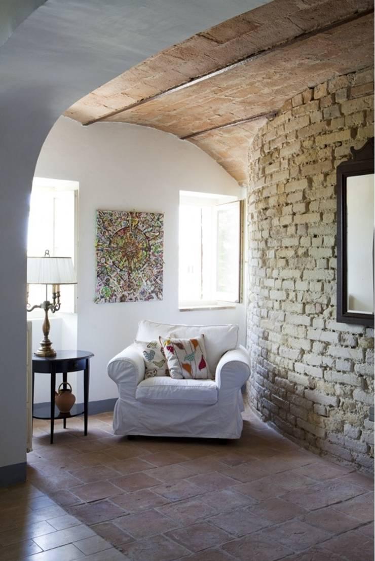 Ruang Keluarga oleh Ing. Vitale Grisostomi Travaglini, Rustic
