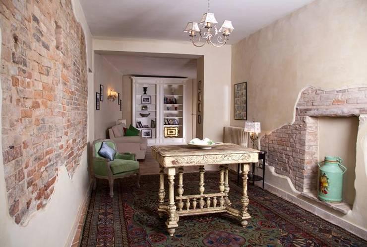 Salas / recibidores de estilo  por Ing. Vitale Grisostomi Travaglini