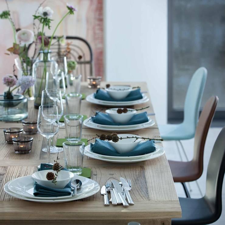 Sala da pranzo in stile in stile Scandinavo di Connox