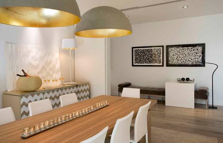 EUROPE MEETS BOSTON: Salas de jantar  por SA&V - SAARANHA&VASCONCELOS