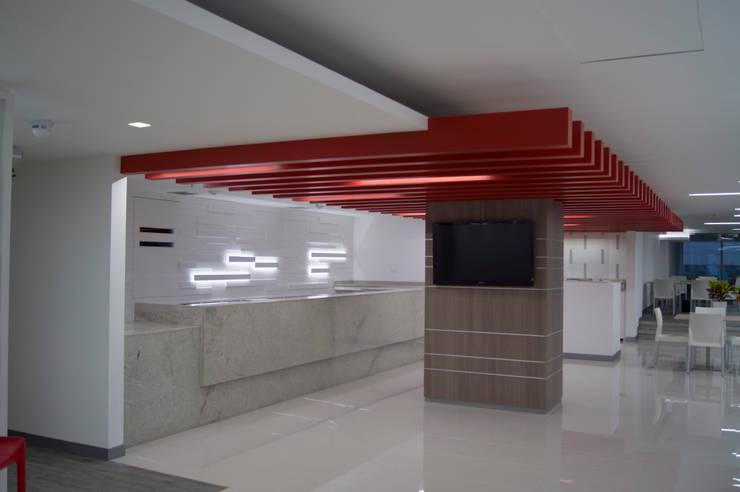 COCINA COMEDOR: Salas/Recibidores de estilo moderno por MTRA ARQUITECTOS C.A.