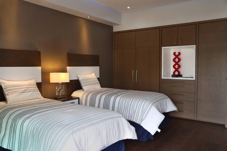 modern Bedroom by arketipo-taller de arquitectura