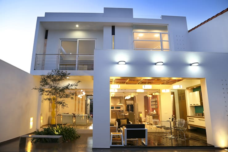 posterior: Casas de estilo  por arketipo-taller de arquitectura