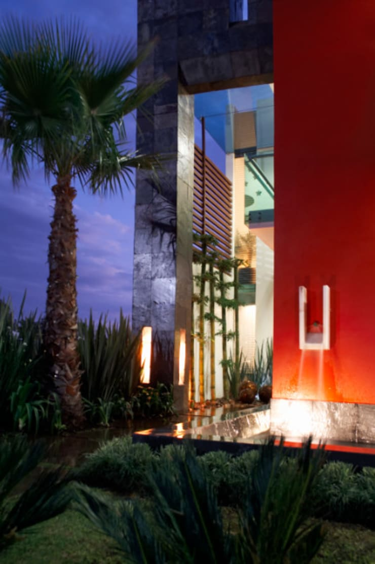 ingreso: Casas de estilo  por arketipo-taller de arquitectura
