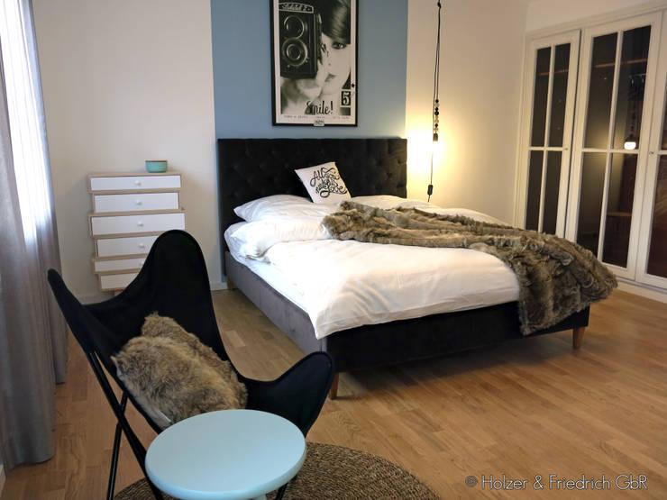 Schlafzimmer:  Schlafzimmer von Holzer & Friedrich GbR