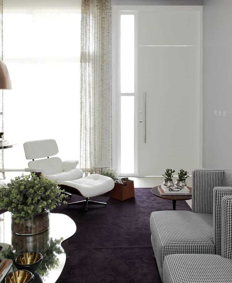 CASA PV59: Salas de estar modernas por criarprojetos   ARQUITETURA . INTERIORES . ENGENHARIA