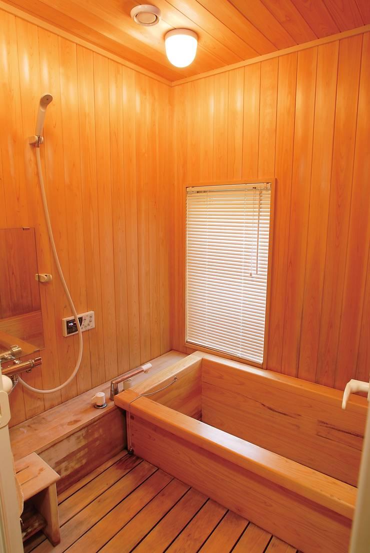 檜風呂: (株)バウハウスが手掛けたスパです。