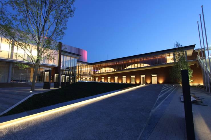 穂の国とよはし芸術劇場 PLAT(愛知): 株式会社ライティングMが手掛けた家です。