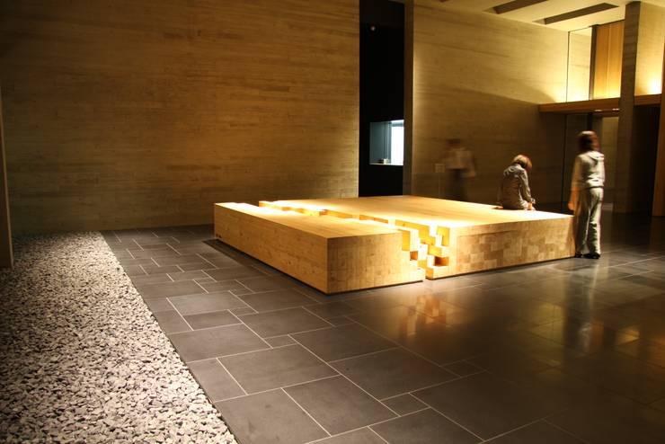 木材会館: 株式会社ライティングMが手掛けた和室です。