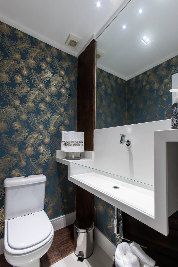 02_Projeto de Interiores Banheiros modernos por Paula Carvalho Arquitetura Moderno