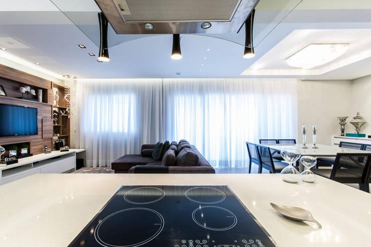 03_Projeto de Interiores: Cozinhas  por Paula Carvalho Arquitetura