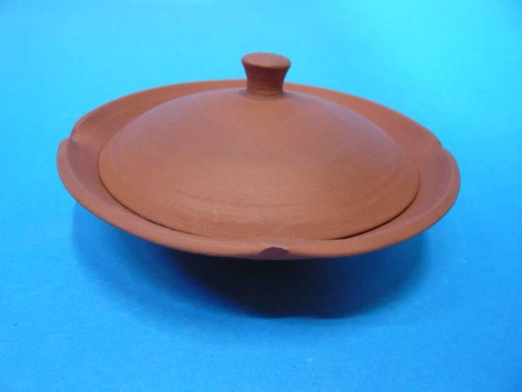 しずく茶急須: 翠嵐窯(すいらんがま)が手掛けたキッチンです。