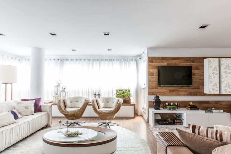 04_Projeto de Interiores: Salas de estar  por Paula Carvalho Arquitetura