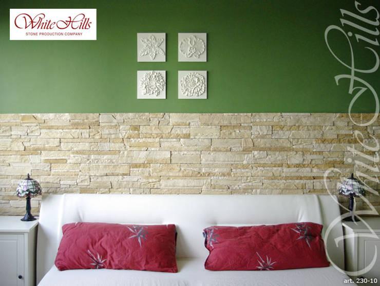 Steinwand im Schlafzimmer von White Hills Stones GmbH   homify