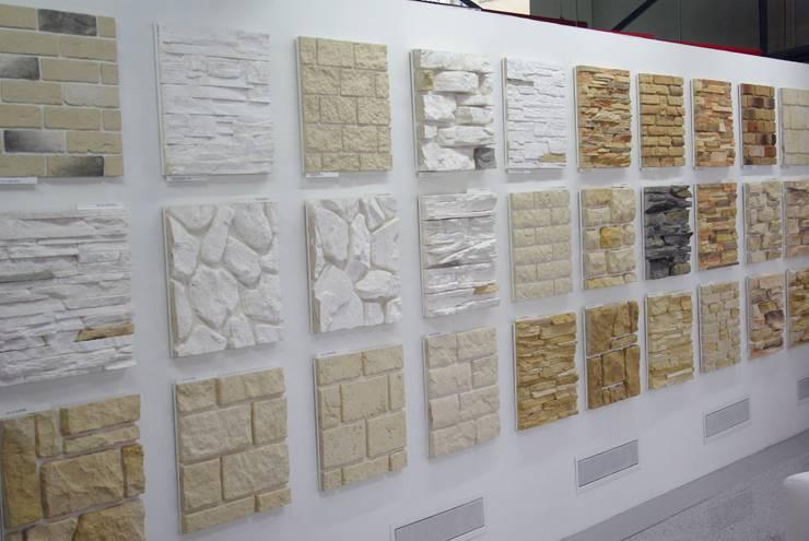 Espacios comerciales de estilo  por White Hills Stones GmbH