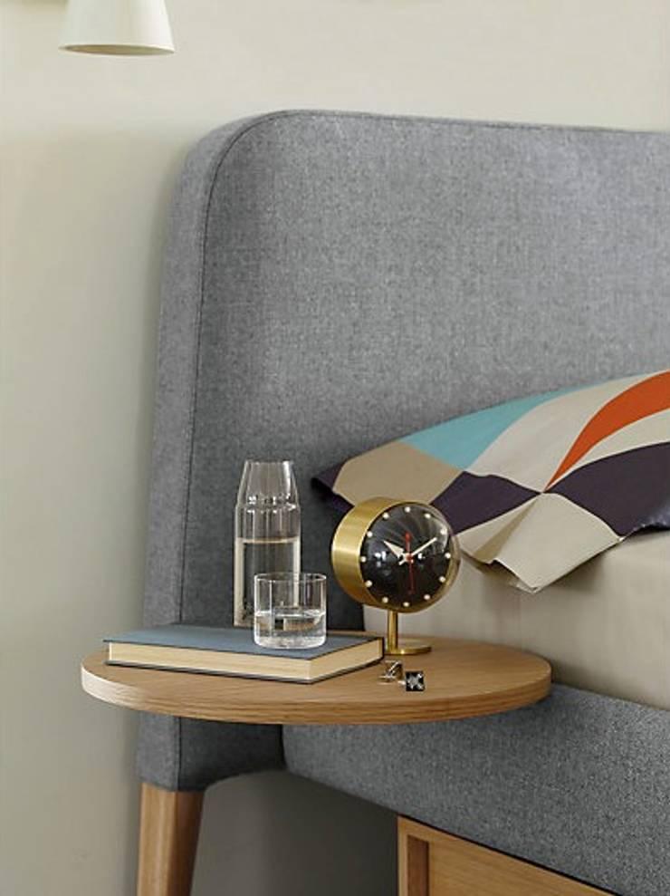 Parallel Cantilever Table: Recámaras de estilo  por Design Within Reach Mexico