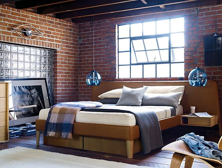 Parallel Wide Queen Bed: Recámaras de estilo  por Design Within Reach Mexico