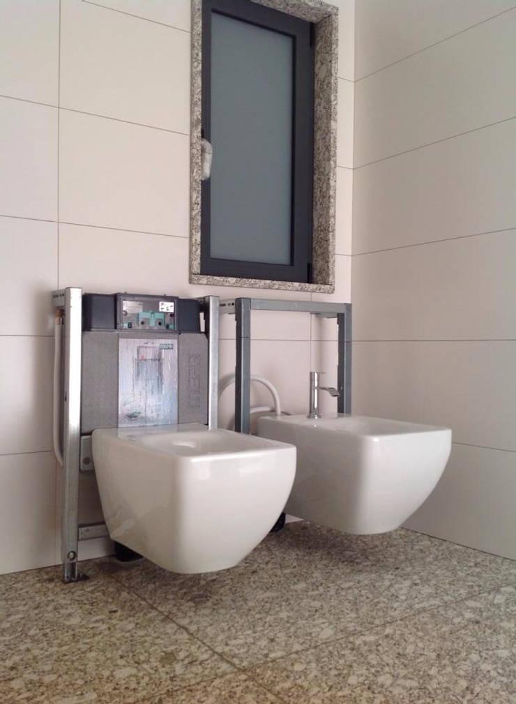 structures / estruturas: Casas de banho  por Dynamic444