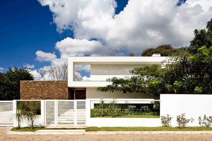 CASA FLAMBOYANT:   por silvana albuquerque arquitetura e design