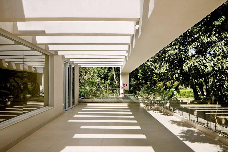 CASA FLAMBOYANT – FLAMBOYANT HOUSE:   por silvana albuquerque arquitetura e design
