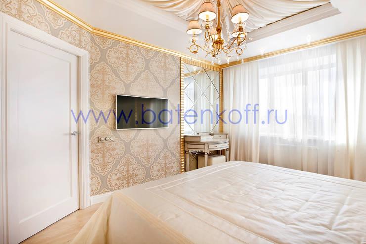 Фото реализованной спальни в ЖК Адмиральский от дизайн студии Батенькофф в классическом стиле. : Спальни в . Автор – Дизайн студия 'Дизайнер интерьера № 1'