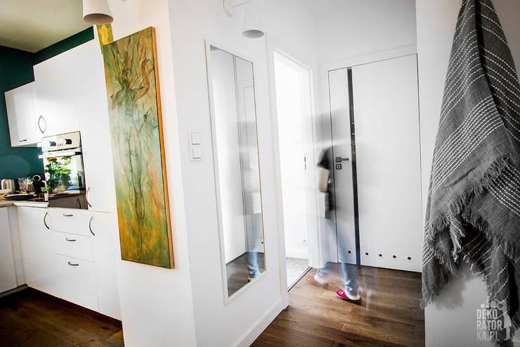 POZNAŃ | Wierzbowa dziupelka | Realizacja: styl , w kategorii Korytarz, przedpokój zaprojektowany przez dekoratorka.pl,Klasyczny