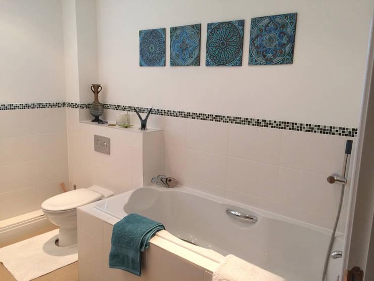 Suzani Wall Art for the bathroom: mediterranean Bathroom by Gvega Ceramica