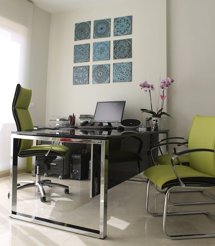 A Mediterranean Warmth for your office:  Office spaces & stores  by Gvega Ceramica