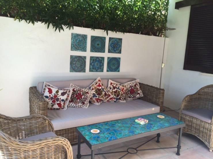Balconies, verandas & terraces  by Gvega Ceramica