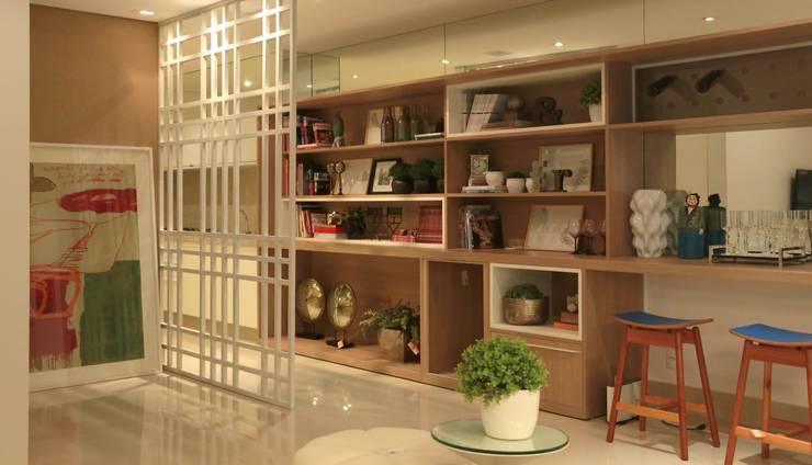 Decorado Apartamento Ária das Artes: Salas de estar modernas por CORA ARQUITETURA