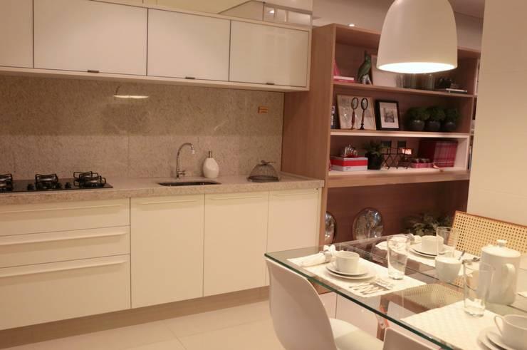 Decorado Apartamento Ária das Artes: Cozinhas  por CORA ARQUITETURA