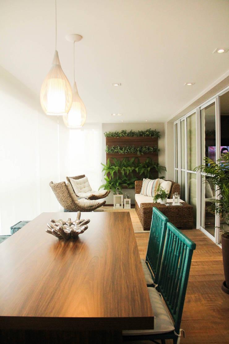 Apartamento Vila Clementino: Terraços  por Sandro Kawamura Designer de Interiores