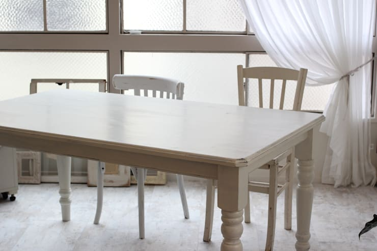 アクセサリー教室の作業台: ObtenirObtinirが手掛けたオフィス&店です。,