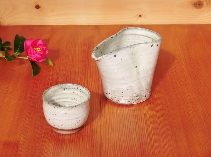 晩酌セット: 中岡陶房工芸が手掛けたキッチンです。