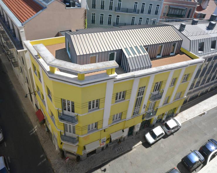 Proposta de ampliação com 1 apartamentos T3:   por Borges de Macedo, Arquitectura.