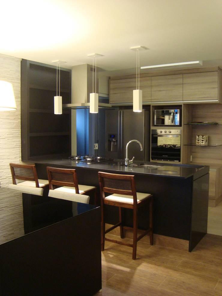 Cozinha Gourmet, Residência GM: Cozinhas  por HV | Arquitetos Associados